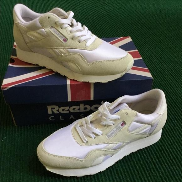 9ae502e29a311 VINTAGE DEADSTOCK Reebok Classic tennis shoes 90s.  M 5b80646d0e3b86c68fd7321e